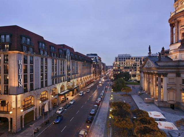 Hilton Berlín GB Ferðir